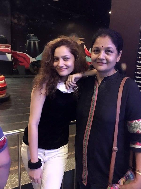 Ankita Lokhande Mother (Vandana Pandis Lokhande)