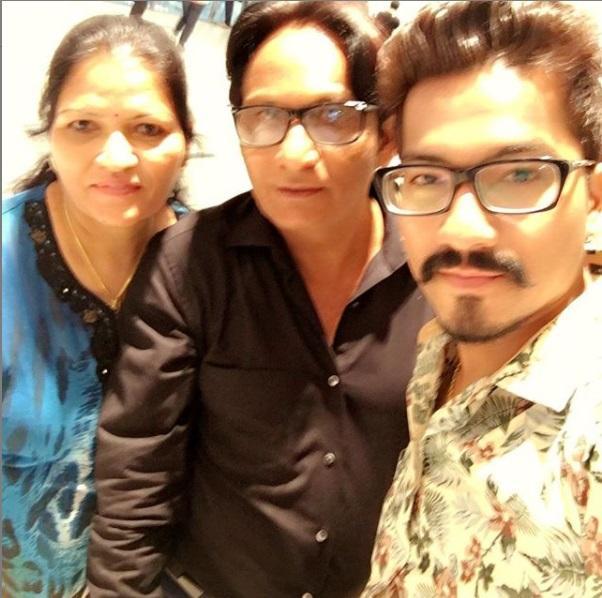 Haarsh Limbachiyaa with Parents