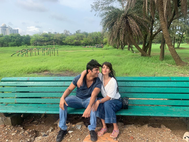 Sushant Singh Rajput & Rhea Chakraborty