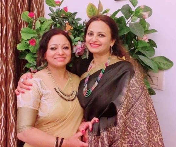 Uma Kumola with sister Meena Rana