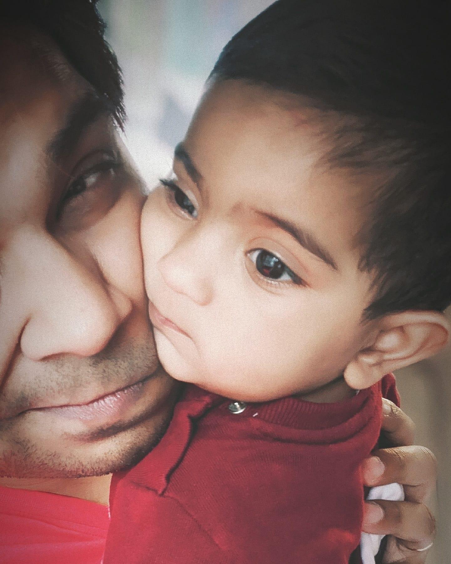 Ankit Tiwari With his Daughter Arya Tiwari