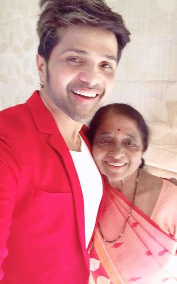 Himesh Reshammiya with his mother Madhu Reshammiya
