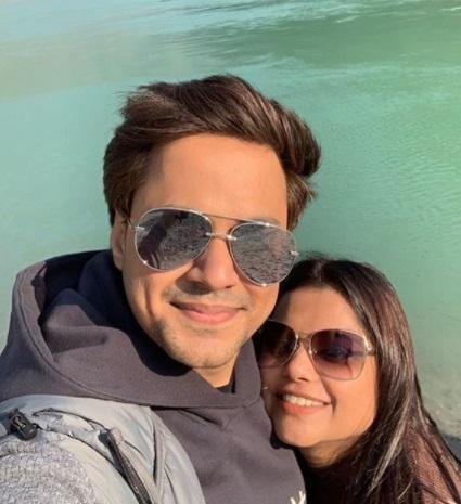 RJ raunaac with his wife Sonam Asthana