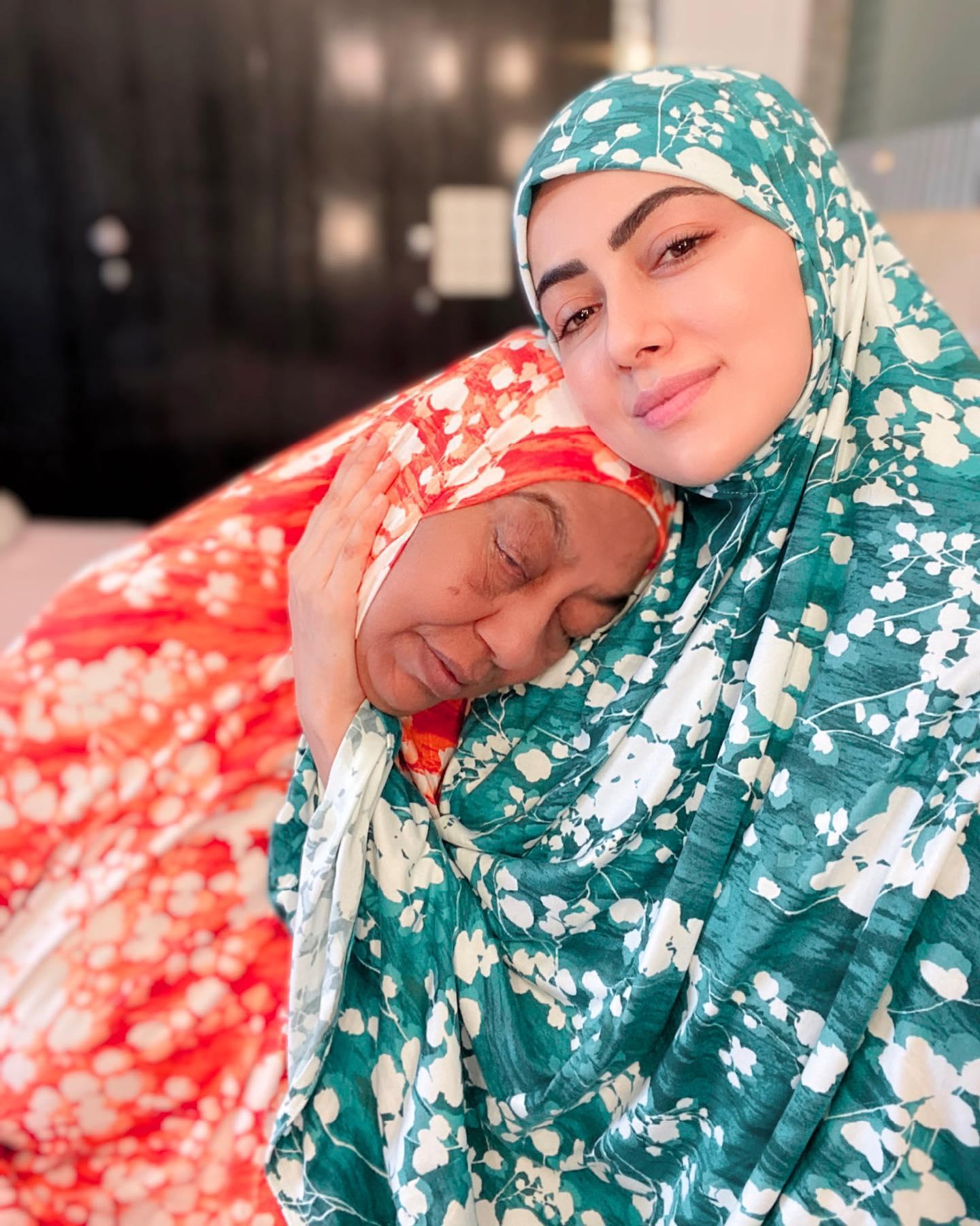 Sana Khan with her Mother Sayeeda