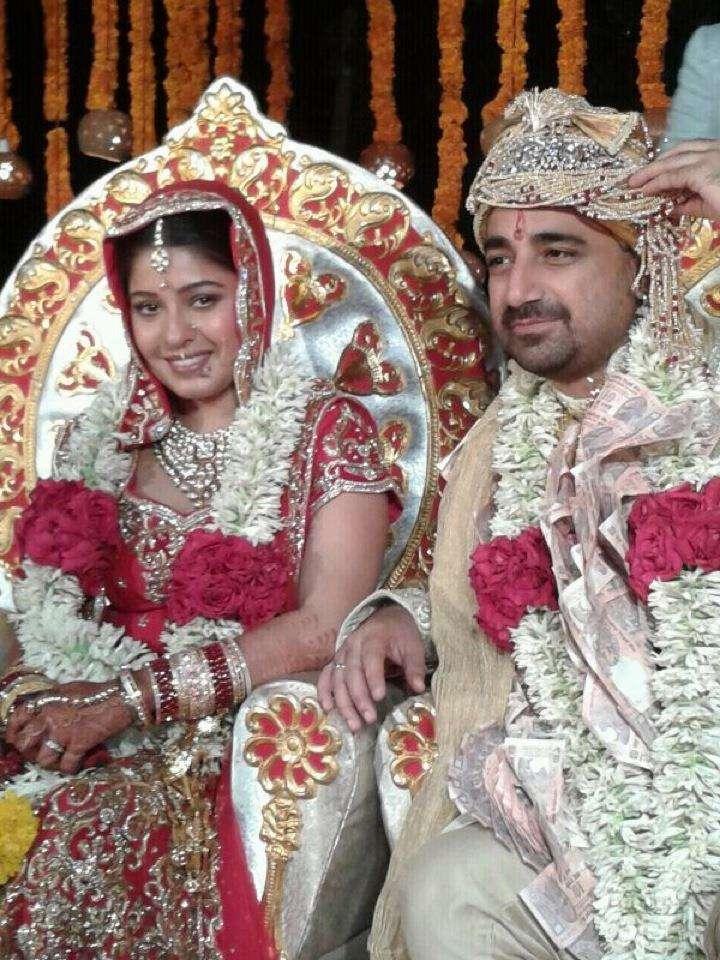 Sunidhi Chauhan with her Husband Hitesh Sonik