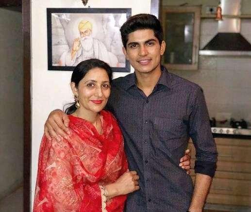 Shubman Gill with his Mother Kirat Gill