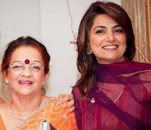 Atul Khatri mother Kunti Khatri and his wife Shaguna Khatri