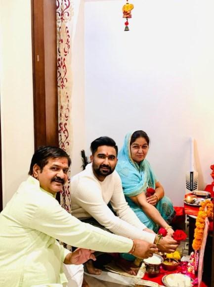 Rahul Tewatia with his family