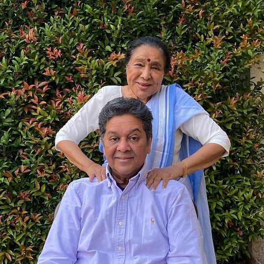 Asha Bhosle with her son Anand Bhosle
