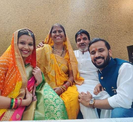 RJ Kartik with his family