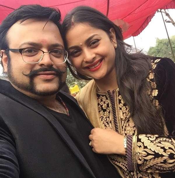 RJ Nitin with his wife Sunita