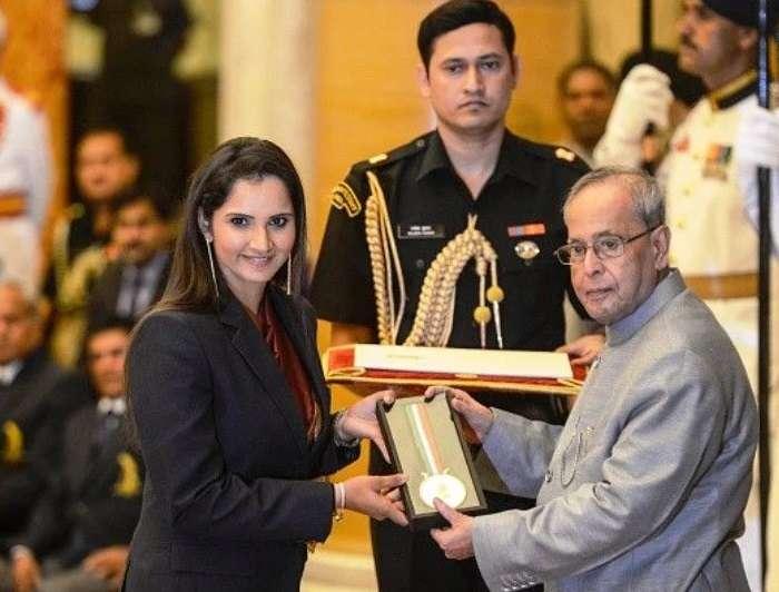 Sania Mirza Receiving Rajiv Gandhi Khel Ratna Award